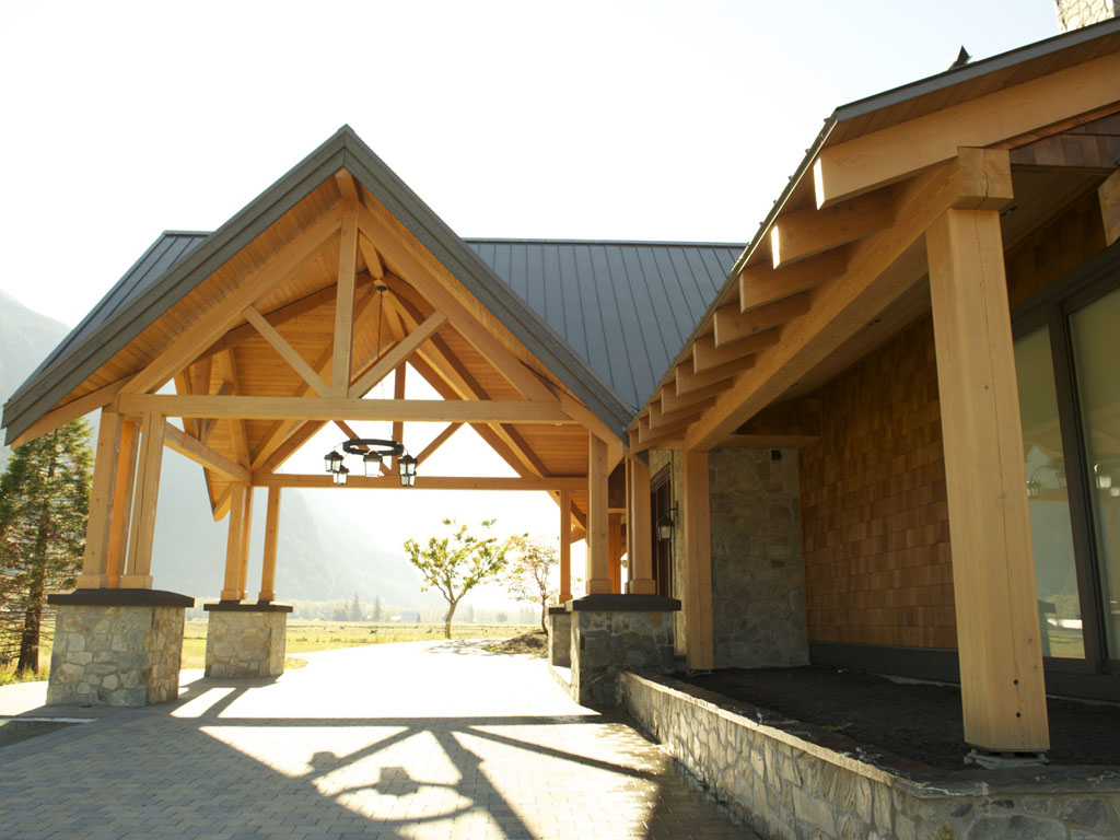 Hybrid timber frame home gallery pemberton bc moore for Timber frame hybrid house plans